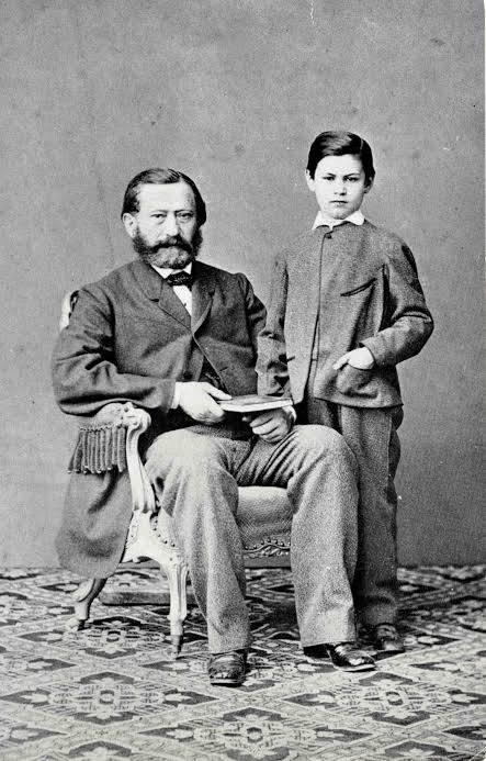 Jacob Freud e Sigismund a 8 anni