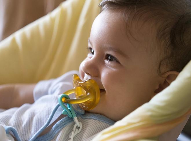 Per Freud la FASE ORALE è la fase dello sviluppo in cui il bambino trae piacere prevalentemente mediante le sensazioni della bocca